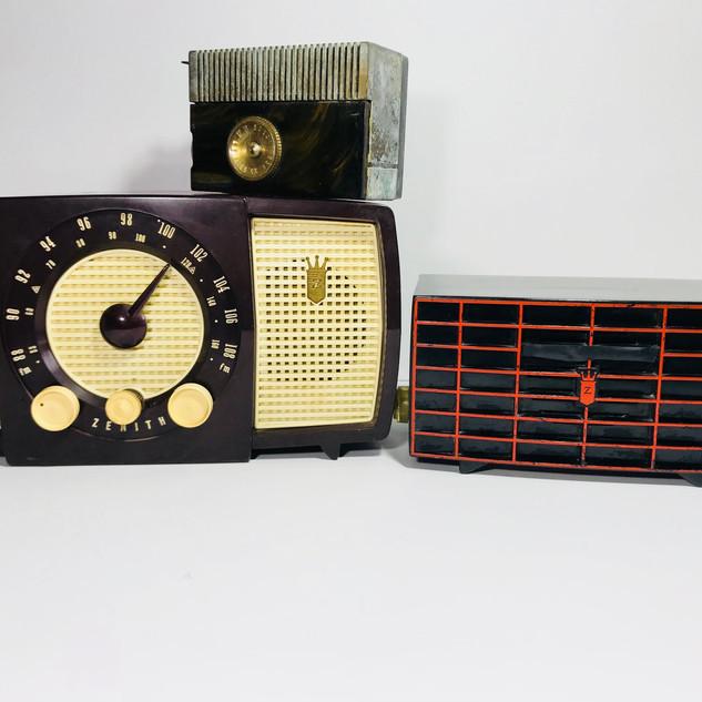 Wood grain travel radio (top left) Zenith (bottom left) Zenith (right) Radio