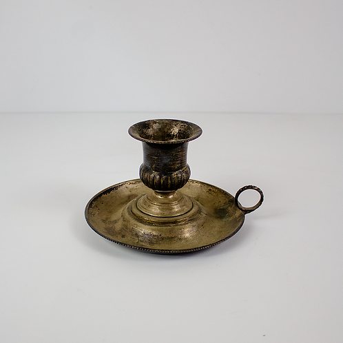 Candleholder with Ring Handle