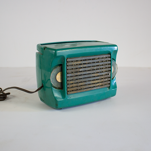 Green Zenith Portable Tube Radio 1950s
