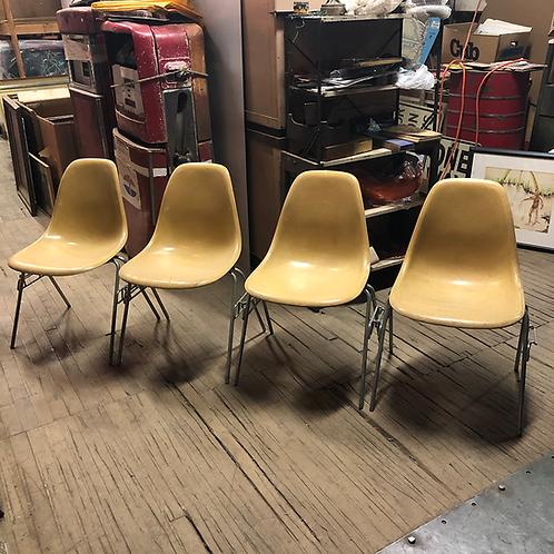 Cream Interlocking Fiberglass Chairs