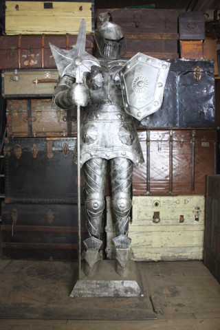 Silver Knight Armor, weapon and shield