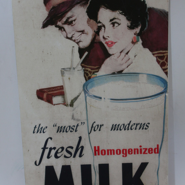 Fresh Milk sign