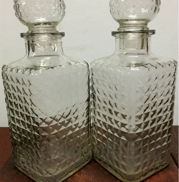 Quilted glass decanters