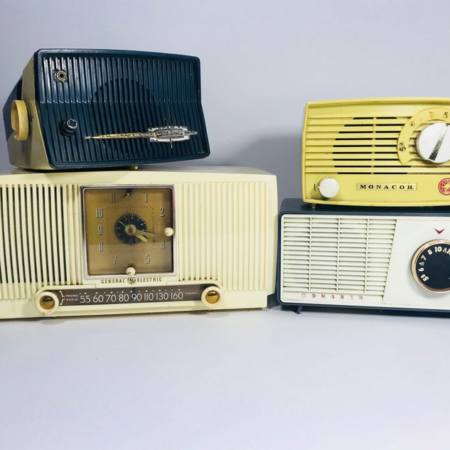 Silvertone (top left) General Electric (bottom left) Monacor (top right) Monarch (bottom right) Radio