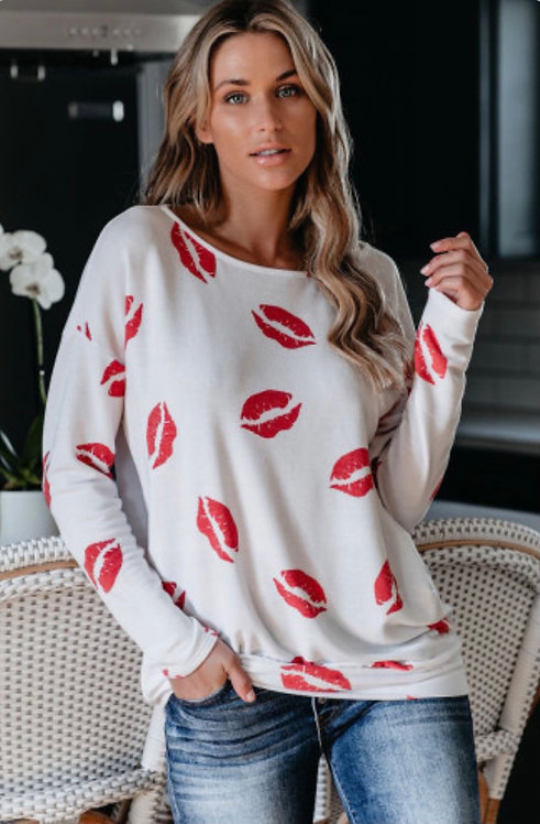 White & Red Lip Print Top- 6101