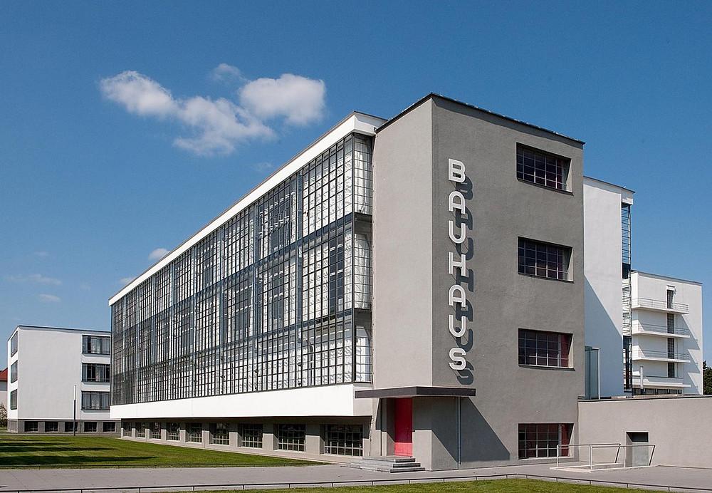 prédio da escola bauhaus em dessau