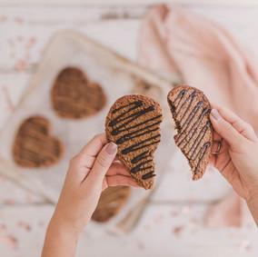 cookie-2baking heart.jpg