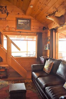 Big Horn Log Cabin living room area