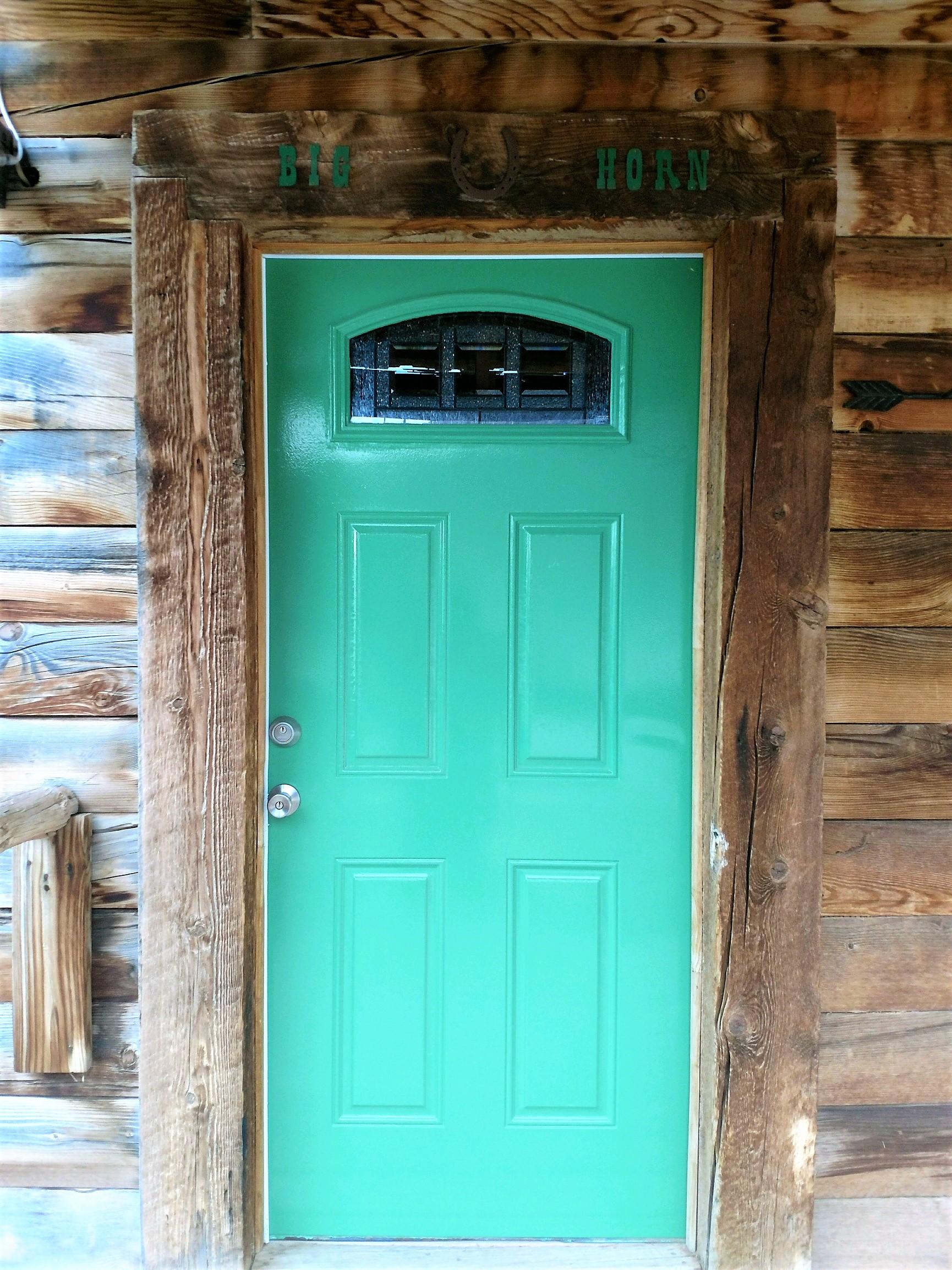 Big Horn Log Cabin entrance