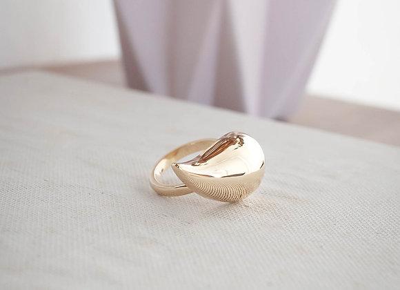 Anel Vírgula G com banho de ouro champanhe 18k