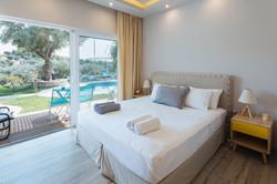 Junior Suite Premium Pool Access