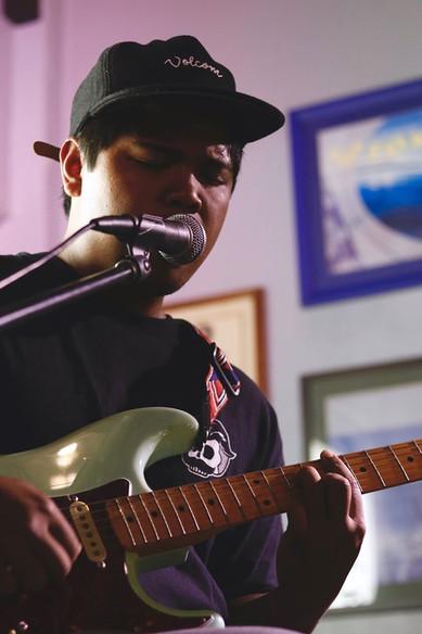 Surfer's Coffee Bar & Artists Hawaii Live Set
