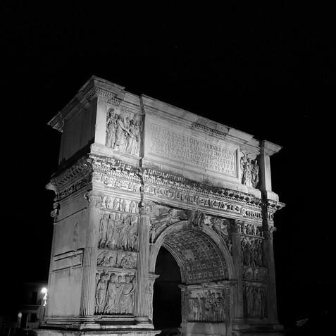 Arco di Traiano - Benevento 2.jpg