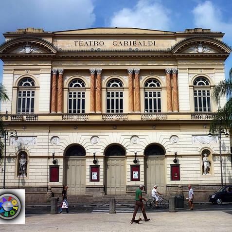teatro Garibaldi SM Capuavetere 00.jpg
