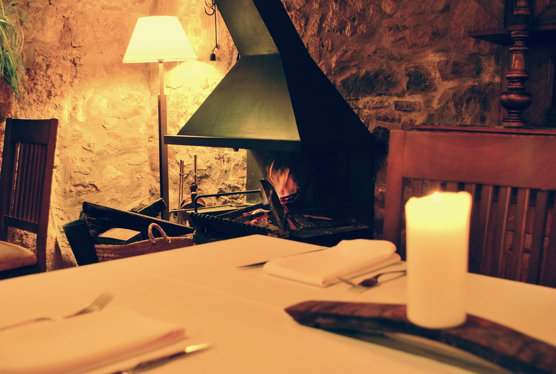 Hotel Can Gasparo - Restaurante con chimenea