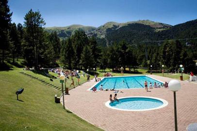 Estación La Molina verano con actividades tubbing, piscina de montaña, bike park la molina