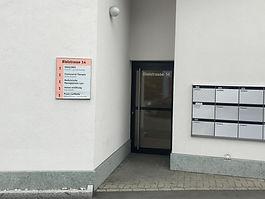 Eingang Lyss kleiner.jpg