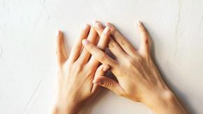 Mostrami le mani e ti dirò che patologia hai - La Verità 20/07/2020
