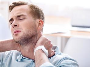 Troppo tempo davanti al pc in videochiamate e ora la cervicale fa male?