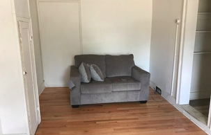 129-oak-2r-living-roompng