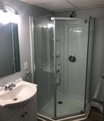 129-oak-2r-bathroompng