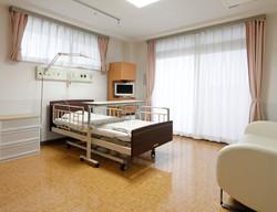 外来・入院 越谷泌尿器科・内科 個室病棟