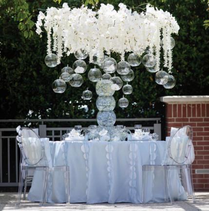 stol-weselny-w-plenerze