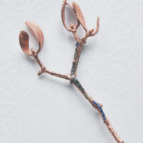branche de gui, cornaline, lapis lazuli, jaspe, perle culture   broche