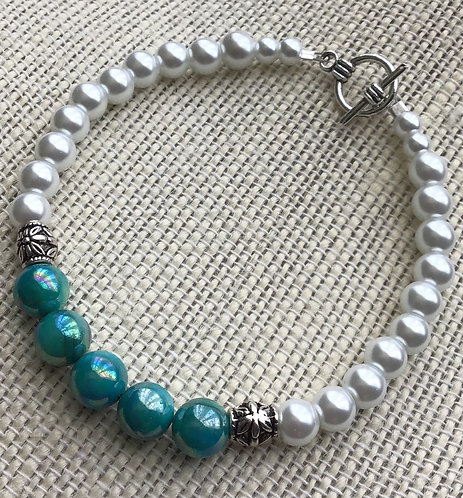 Aqua Shell & White Glass Pearl Bracelet