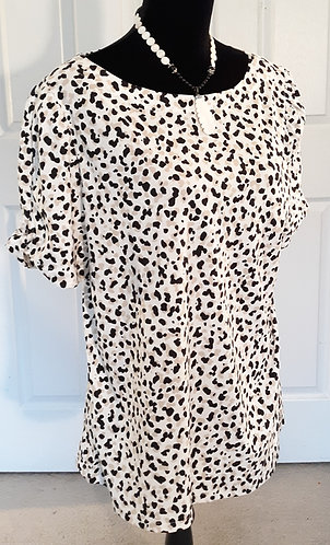 Leopard Top w/Gathered Keyhole Sleeve