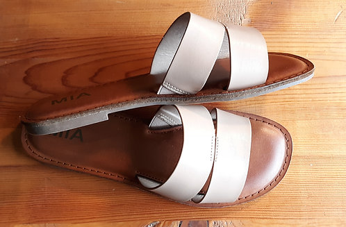 Leather Flat Sandal - Nude
