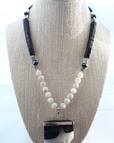 Black & White Crystal Agate Pendant Set