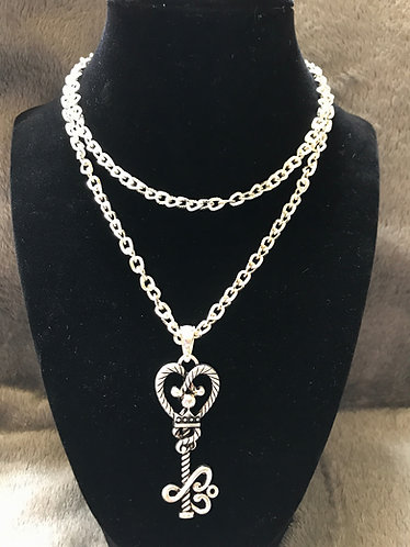 Elegant Key Pendant Necklace