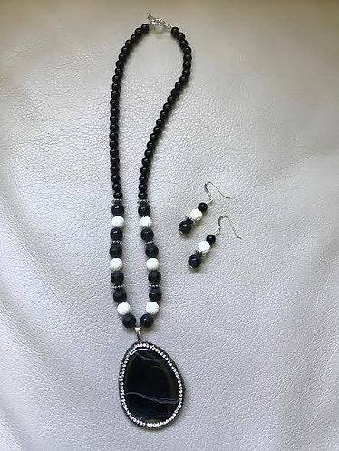 Black Agate Pendant and White Seashell Bead Necklace & Earrings Set