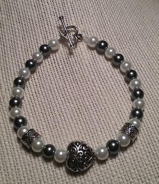 Antique Swirl Heart Bracelet - Gray & White