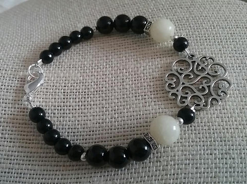 Black & Cream Scroll Pendant Bracelet