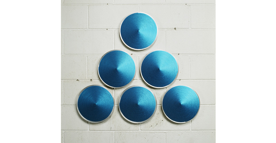 Noh, Sang-Kyoon, One Ends, 2007, sequins on aluminum plate, 40cm each, dimensions variable