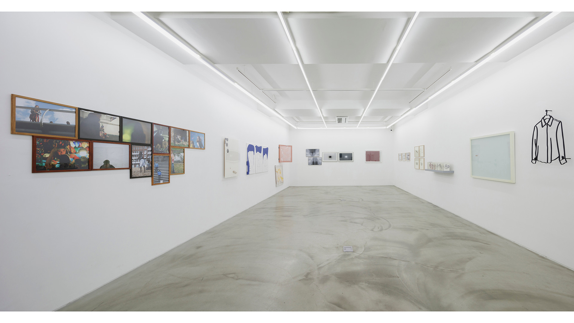 Installation view of Your Hand, My Heart, Gallery Simon, 2017