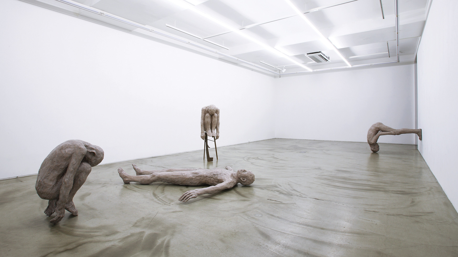 Installation view of Lying with Mahler, Gallery Simon, 2017