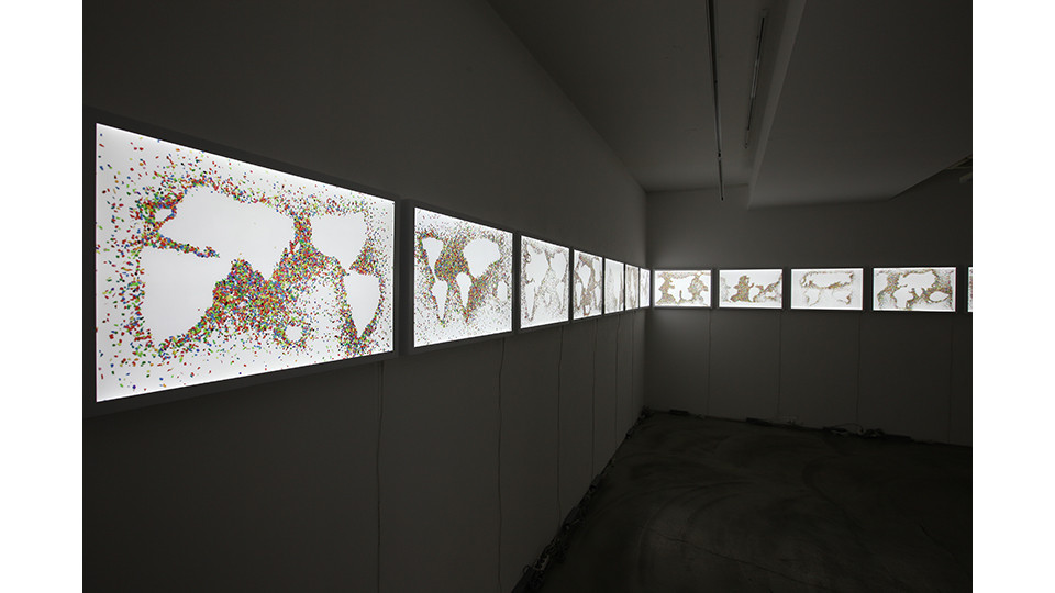 Installation view of The Plastic Ocean (#01~#18), 20141410,시몬 005
