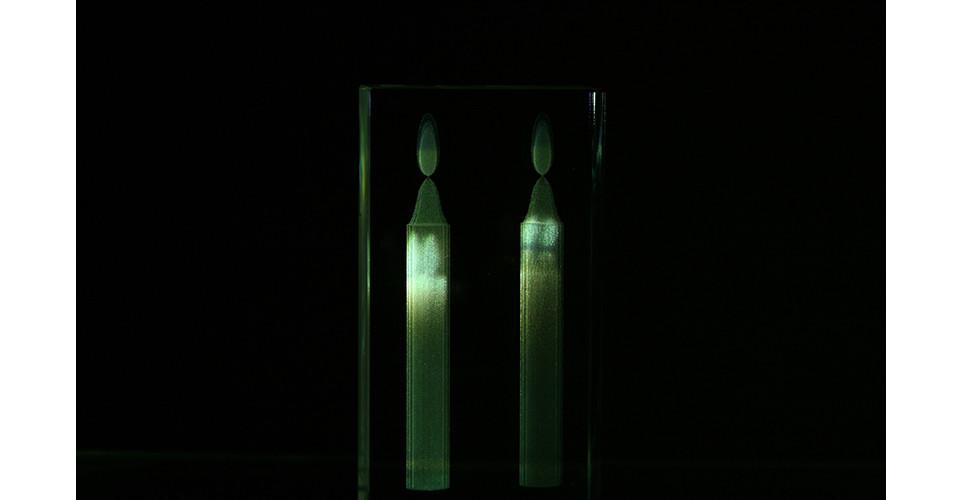 Ku, Ja-Young, Candlelight, 2007, crystal, video projection, 12.5 x 6.7 x 3 cm