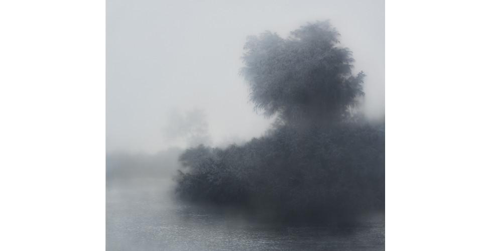 Floating Island B, 2015, plexiglass, acrylic, canvas, 187.2 x 182.3 x 5.2 cm