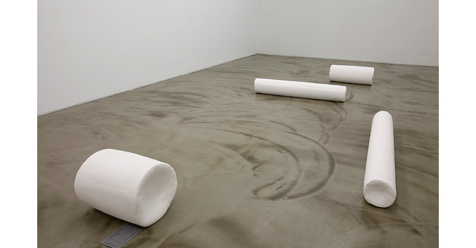 Installation view of to and fro, Choi Insu solo exhibition, Gallery Simon, 2013