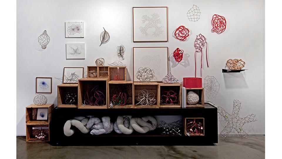 작가의 방 그물망 벽면 Artist's studio Study on Web, 2009-2014, 406 x 253(h)cm