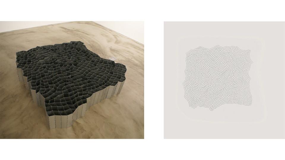 함석판으로 된 600개의 경첩 (600 pieces of Hinges; made of sheet zinc) , 2010, zinc hinges, 190×190×30(h)cm