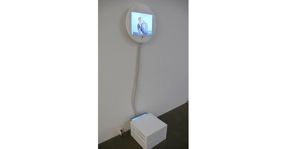 Daniel Rozin, Shaking Time, 2005, computer, custom software, video camera, plexiglas, plastic tubing, 13 x 10 screen in a 19 12 enclosure