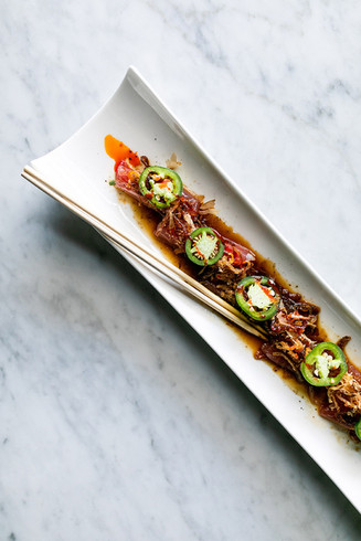 The-Met-Downtown-appetizer-ahi-sashimi.j