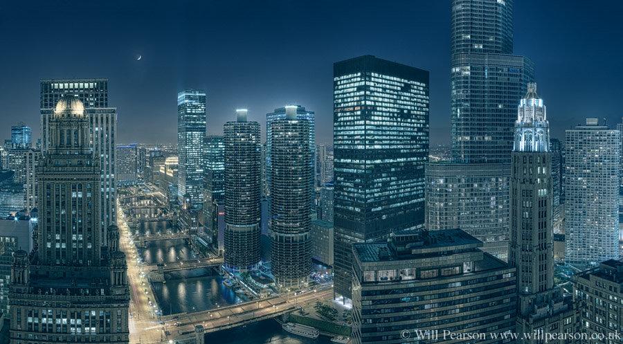 Along_the_Chicago_River.jpg