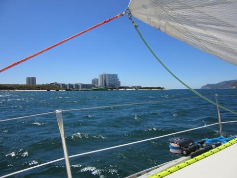 Sailing near Tróia