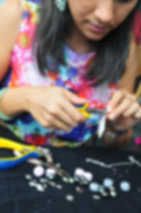 Alika Tahiti,réparation et  relooking anciens bijoux pour qu'ils ne dorment plus dans vos tiroirs, perçage perles de Tahit et de pierres semi-précieuses
